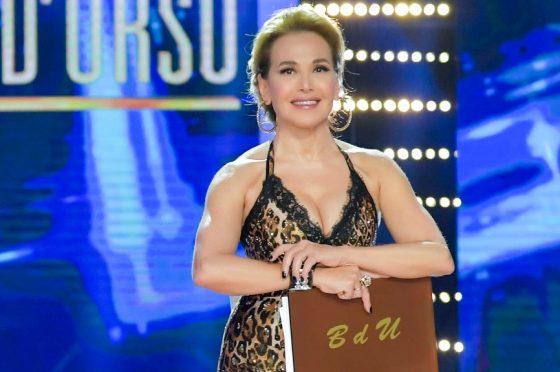 Live lunedì 16 dicembre 2019: #NoneLaDUrso, con Barbara D'Urso (Canale5)