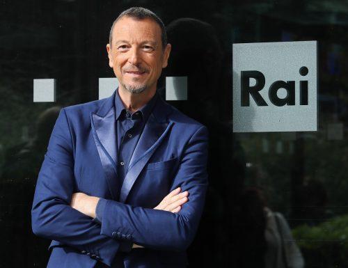 Il nodo sta per sciogliersi: Amadeus condurrà Sanremo per il terzo anno consecutivo?