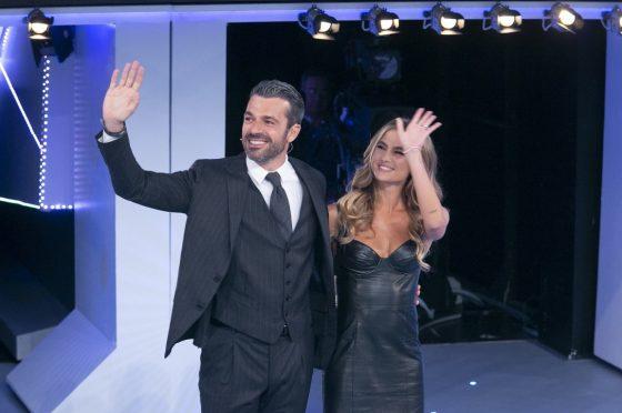 Live sabato 11 gennaio 2020: #CePostaPerTe, prima puntata, con Maria De Filippi, in prime time su #Canale5