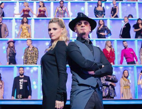 AscoltiTV 2 gennaio 2020 · Dati Auditel del giovedì: All Together Now (16,41%),  Mary Poppins (16,17%), Top Gun (6,35%) e Il ragazzo di campagna (6,31%)
