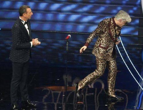 """Conferenza stampa di Bugo: """"Ingurie e offese da parte di Morgan, sono molto turbato"""" #Sanremo2020"""
