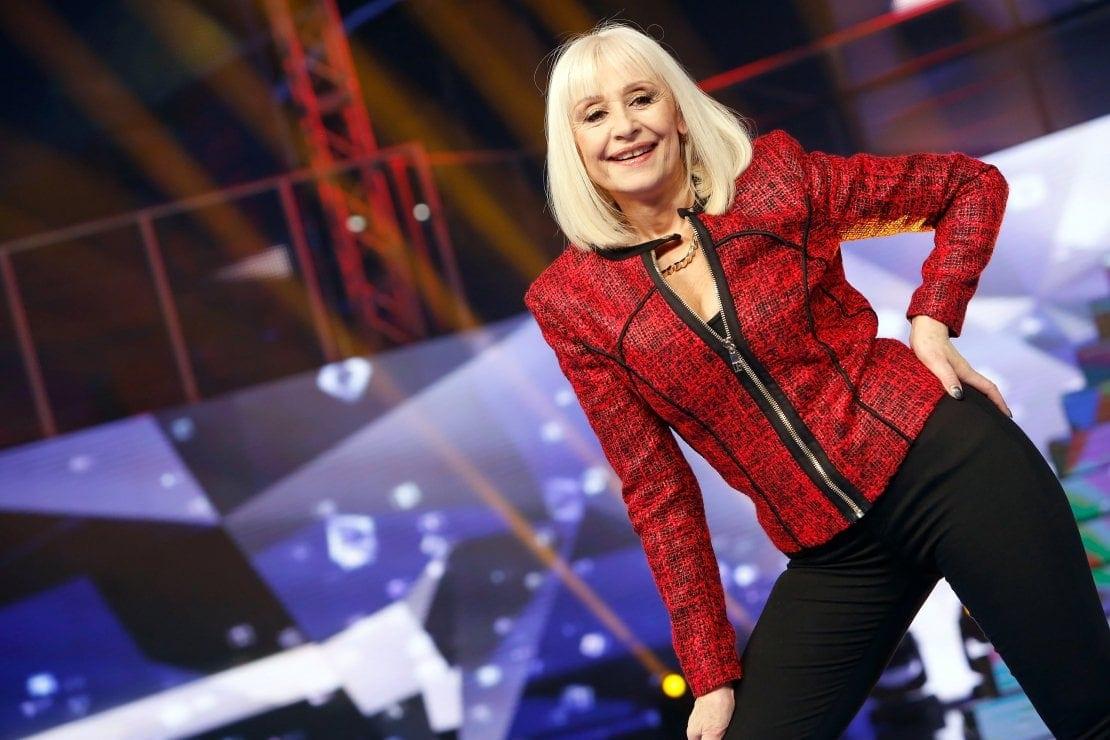 Live 13 luglio 2021 · Carramba che sorpresa seconda puntata. Continua il people show in memoria di Raffaella Carrà, in onda su RaiUno