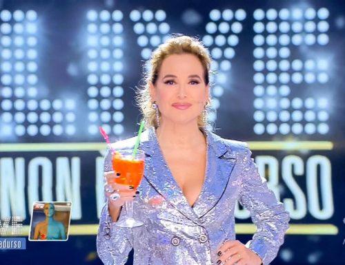 #Sanremo2020: Rissa in sala stampa tra giornalisti Sky e quelli di altre testate. CHOC a L'AltroFestival (VIDEO)