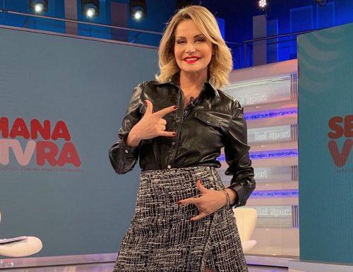 Simona Ventura rimarrà su Rai 2: condurrà un programma nel weekend, ma le prospettive erano diverse!