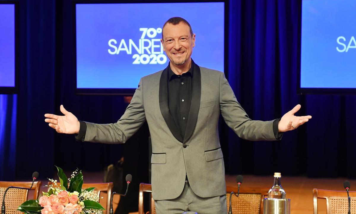 """Amadeus su #Sanremo2021: """"Quest'anno al Festival di Sanremo ci saranno addirittura 26 big, tra cui 10 donne. Molti i giovani presenti"""""""