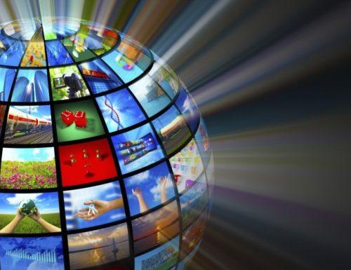 Zona Franca: la tv ai tempi del Covid19. Fantapalinsesti di Canale5, divisi tra daytime e primetime