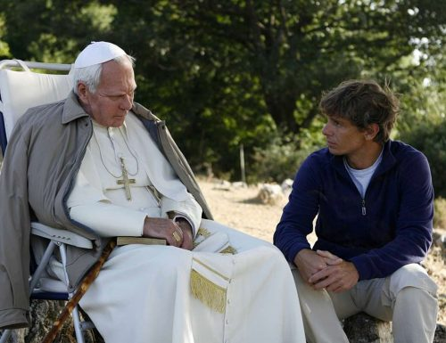 Doppio CinemaTivu: Jesus  (miniserie del 1999), in onda su Rai1; Il Papa Buono (miniserie del 2003), in onda su Canale5