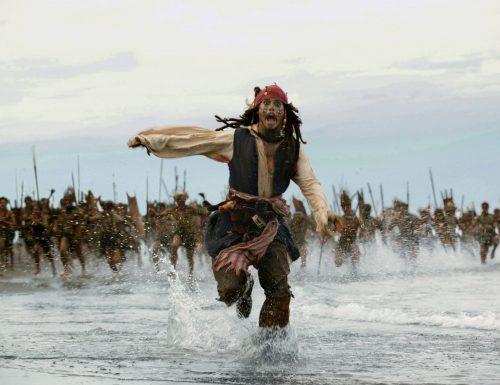 CinemaTivu: La saga Pirati dei Caraibi, con La maledizione del forziere fantasma (Usa 2006), con Johnny Depp e Orlando Bloom, su Canale5