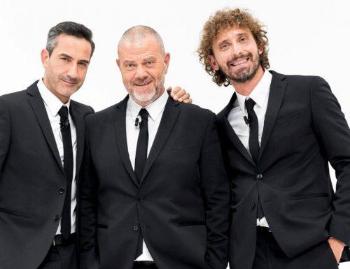 Live 19 maggio 2020: Le Iene Show, su Italia1. Termometro a infrarossi, i braccianti sottopagati e lo scherzo a Fabio Caressa
