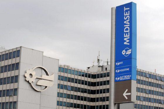 Flash news #Mediaset: ultime novità sulla querelle con #Vivendi, la mossa del Governo, la sentenza contro #Sky, la furia dei francesi