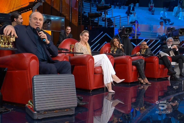 AscoltiTV 5 giugno 2020 · Dati Auditel del venerdì: Amici Speciali: La finale, Il coraggio di Angela, Propaganda live, Fratelli di Crozza, 2 Fast 2 Furious