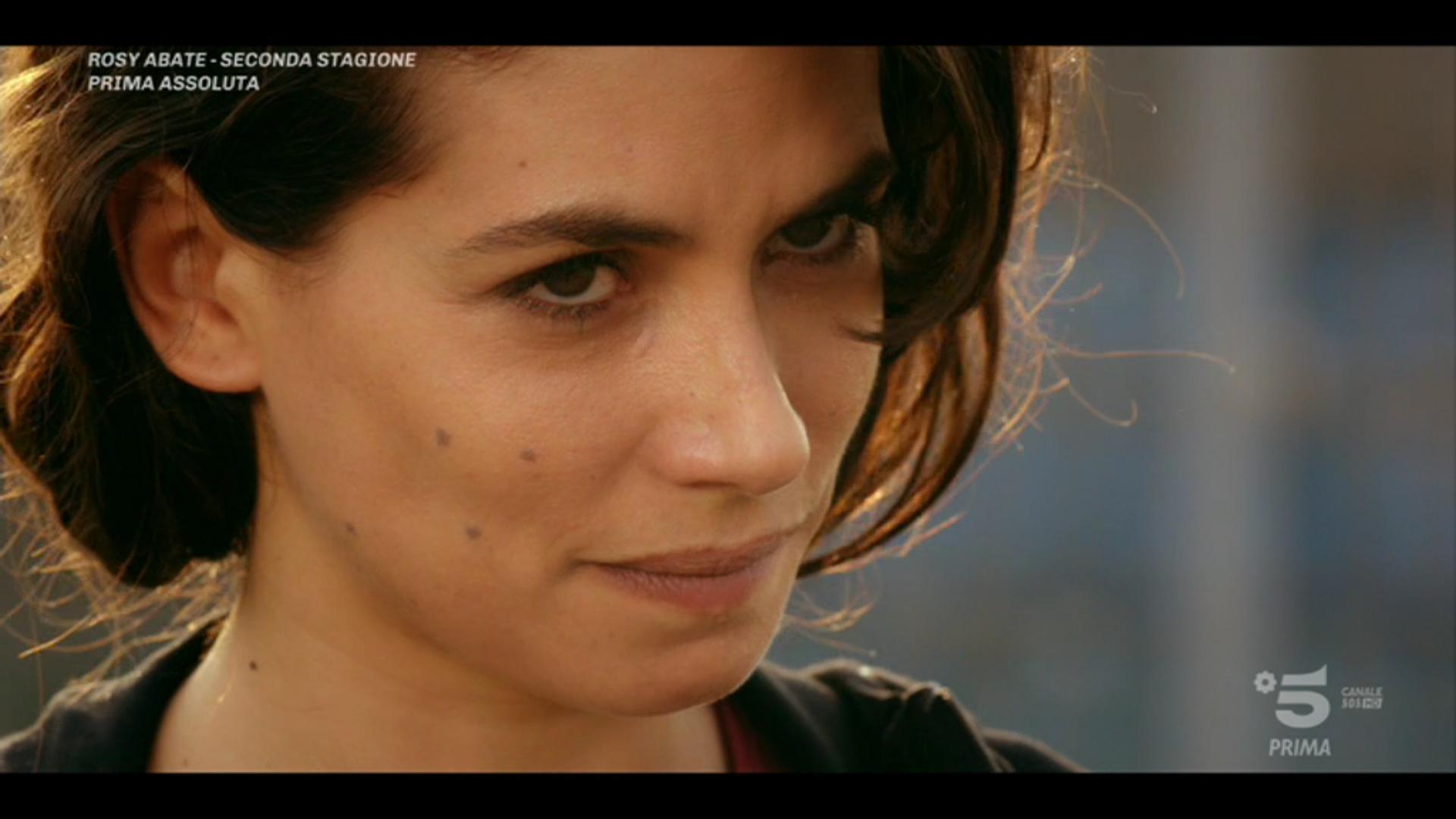 Rosy Abate 2, Primo appuntamento (Canale5)