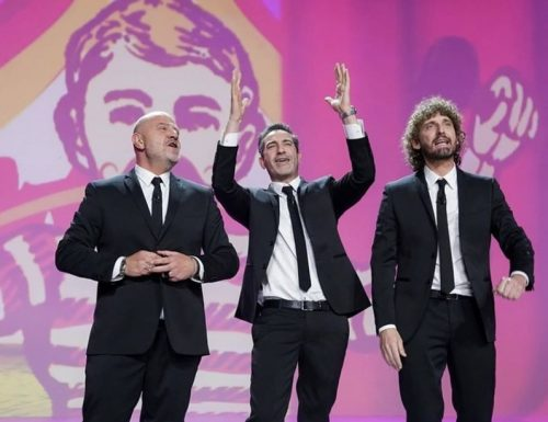 Live 16 giugno 2020: Le Iene Show, su Italia1. Storie di ordinaria follia in ambito lavorativo, fino ai Pomigliano Boys di Di Maio…