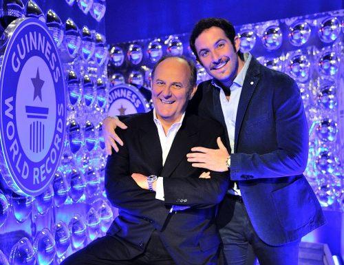 Live martedì 21 luglio 2020: Lo Show dei Record (2015), prima puntata. Con Gerry Scotti, in prime time, in onda su Canale5
