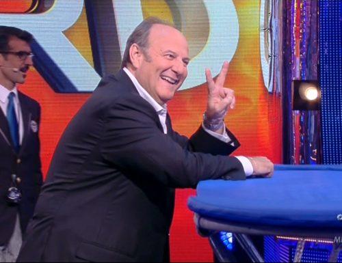 Live martedì 18 agosto 2020: Lo Show dei Record (2015), quinta puntata. Con Gerry Scotti, in prime time, in onda su Canale5