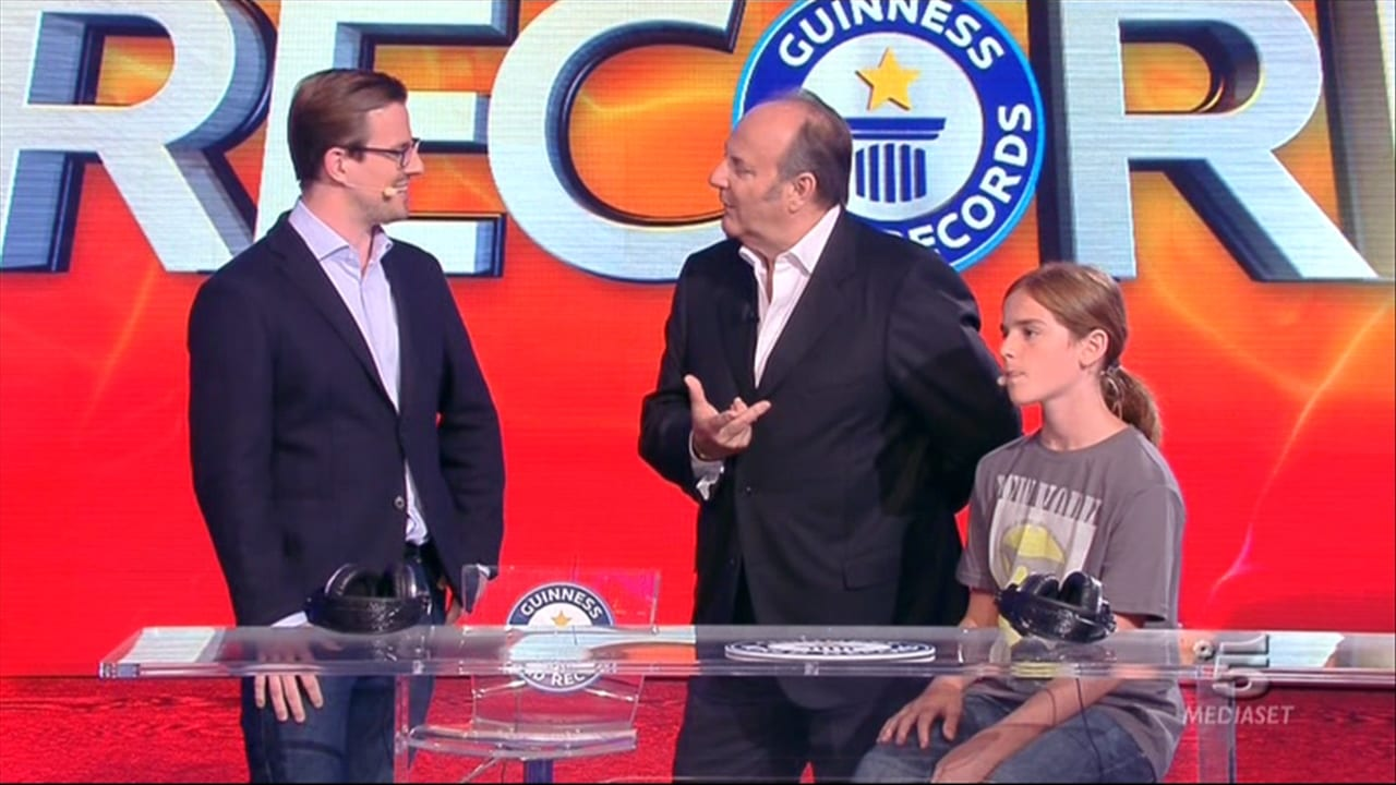 Due format storici, Lo Show dei Record e Buona Domenica, torneranno su #Canale5? Ecco la risposta!