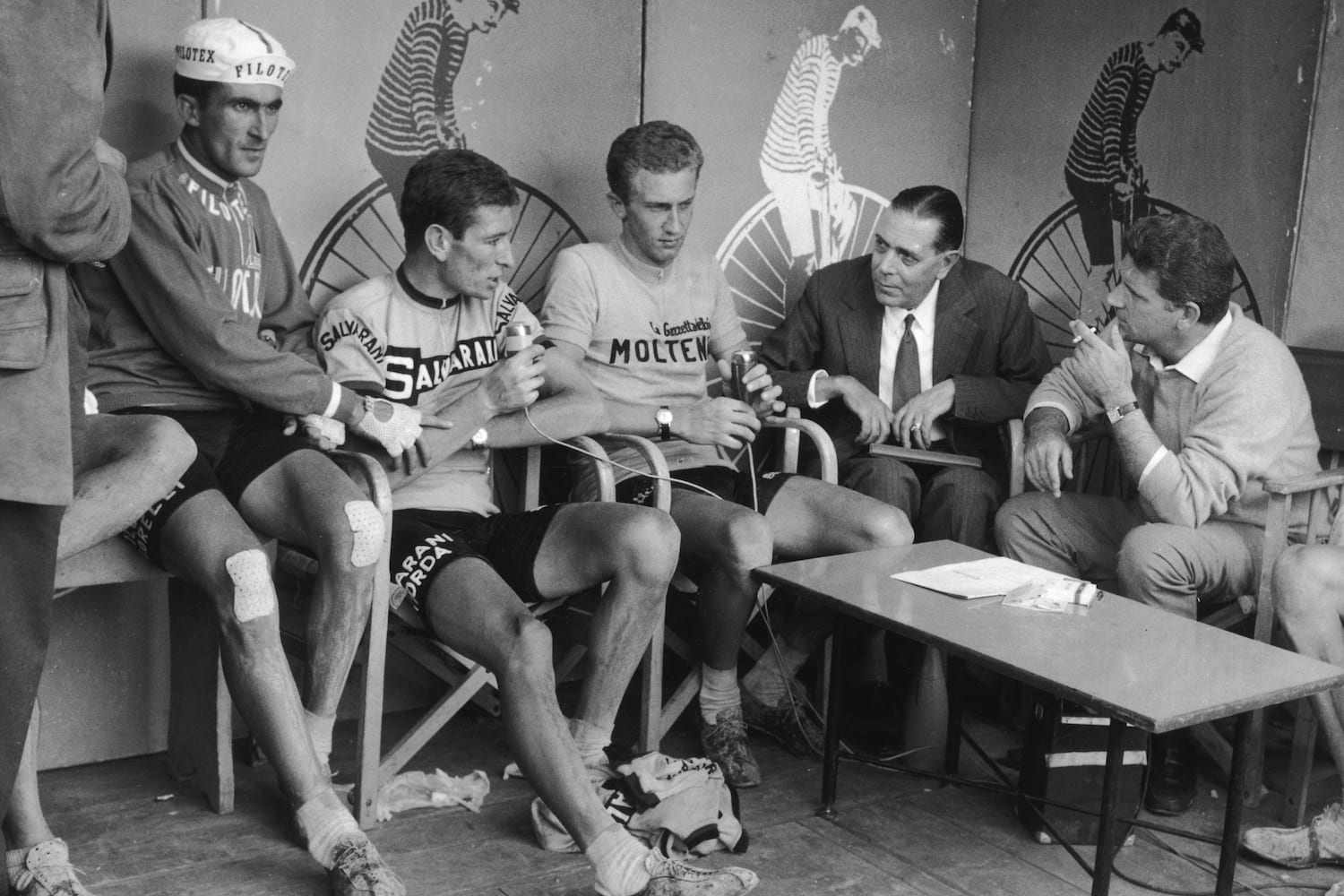 From left to right, Italian competitors Franco Bitossi, Felice Gimondi and Gianni Motta and interviewed by journalists Luigi Chierici and Sergio Zavoli during the 1966 Giro d'Italia (Tour of Italy). Motta was the overall winner of the race. (Photo by Keystone/Hulton Archive/Getty Images)