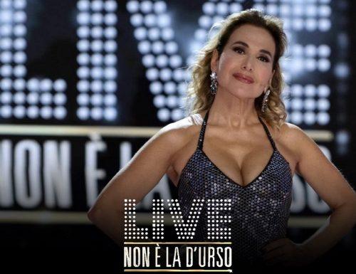 Live domenica 13 settembre 2020 · Parte Live: Non è la D'Urso 2020, prima puntata. Condotto da Barbara D'Urso, in prima serata su Canale5
