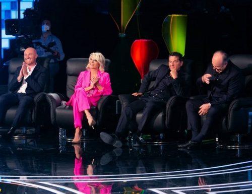 Live 12 settembre 2020 · Tu si que vales 2020, prima puntata. Con Belen Rodriguez, Martin Castrogiovanni e Alessio Sakara, su Canale5