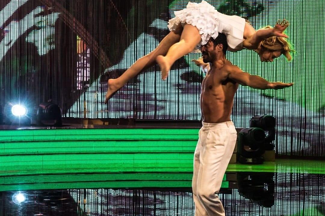 Live sabato 21 novembre 2020: Ballando con le stelle 2020 ultima puntata. Con Milly Carlucci e una parata di stelle, in prime time su RaiUno