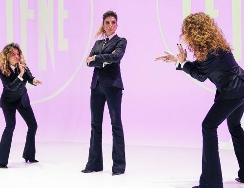 Live giovedì 26 novembre 2020 · Le Iene Show 2020, sedicesimo appuntamento. Ideato da Davide Parenti, in onda in prime time su Italia1