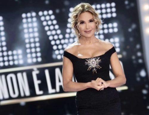 Live domenica 22 novembre 2020 · Live: Non è la D'Urso 2020, undicesima puntata. Condotto da Barbara D'Urso, in prima serata su Canale5