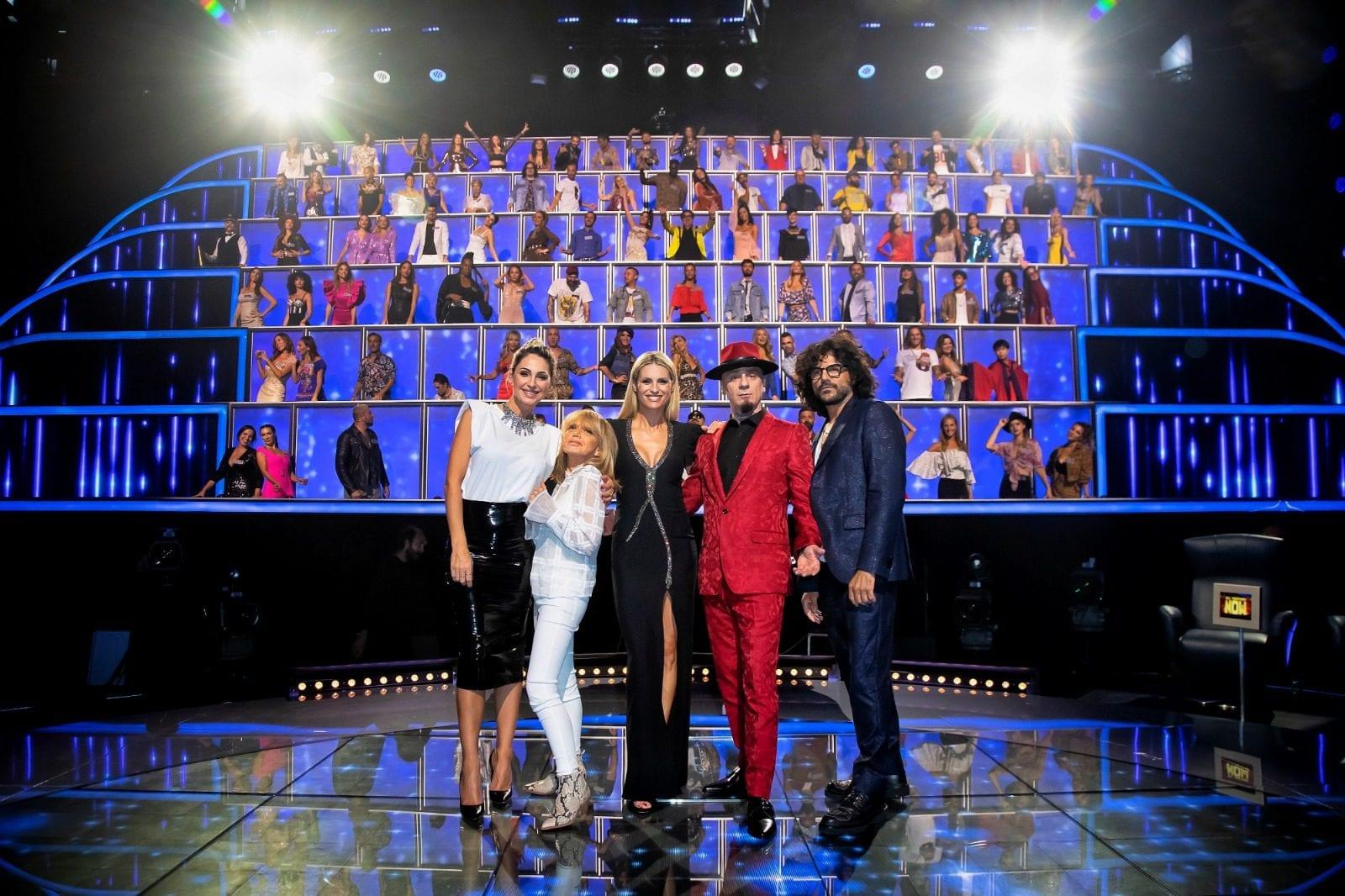 Live 4 novembre 2020 · All Together Now 2020 prima puntata. Parte la gara canora condotta da Michelle Hunziker, in prima serata su Canale5