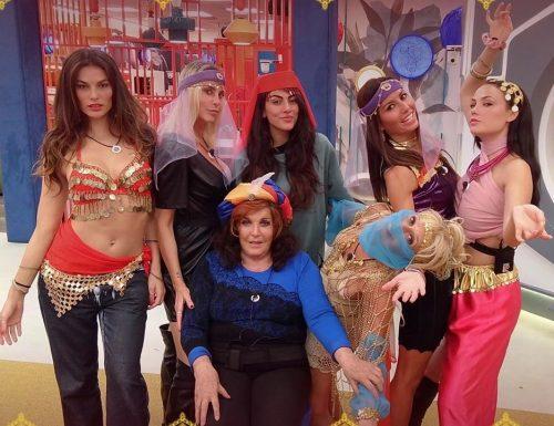 Live lunedì 9 novembre 2020 · GFVip 5, diciassettesima puntata. Il Grande Fratello Vip è condotto da Alfonso Signorini, su Canale5
