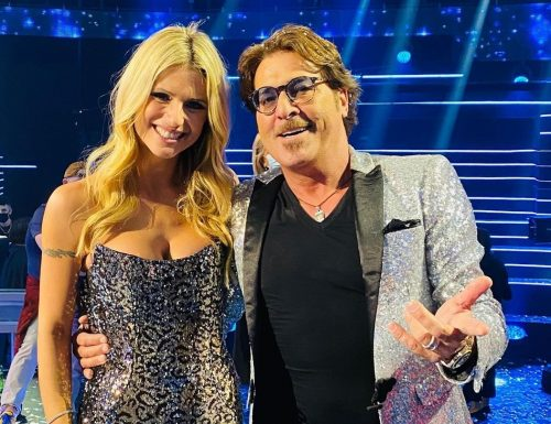 Live 12 dicembre 2020 · All together now 2020, ultima puntata. Arriva la finale per la gara canora con Michelle Hunziker, in onda su Canale5
