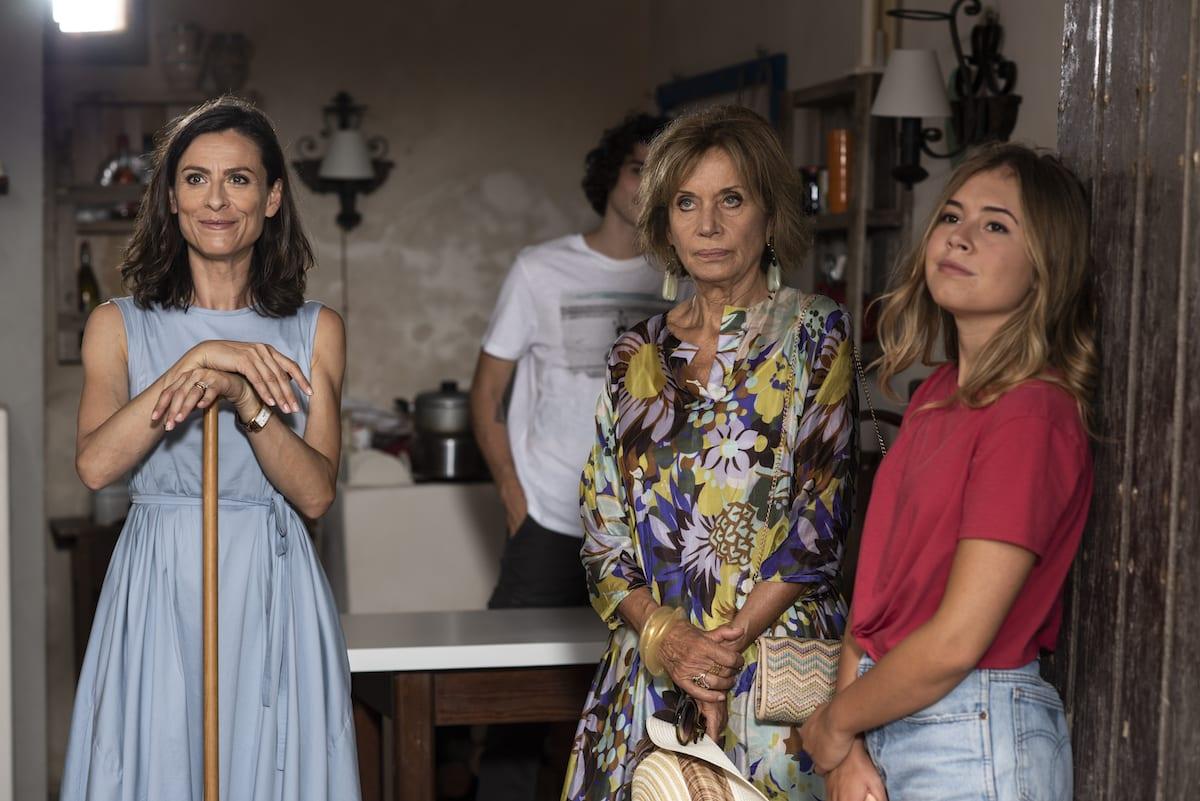 Fiction Club: Fratelli Caputo prima puntata. Con Nino Frassica e Cesare Bocci, in prima visione assoluta, in onda in prime time su Canale5