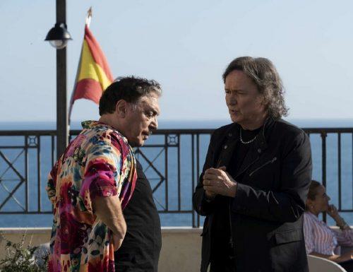Fiction Club: Fratelli Caputo, seconda puntata. Con Nino Frassica e Cesare Bocci, in prima visione assoluta, in onda su Canale5