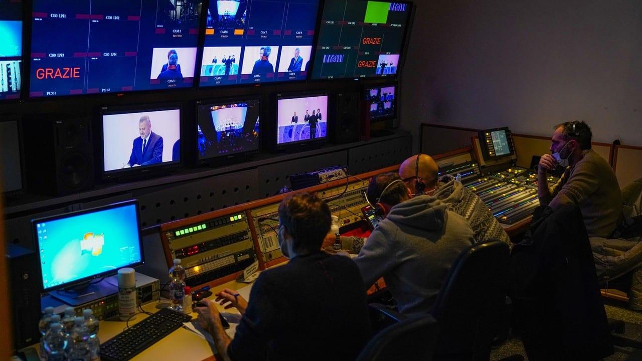 Live giovedi 17 dicembre 2020 · Le Iene Show 2020 ventiduesimo appuntamento. Ideato da Davide Parenti, in onda in prime time su Italia1