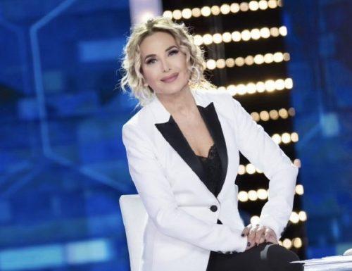 Stasera a Live #noneladurso grande talk su #Sanremo2021 e poi i protagonisti del #GFVIP