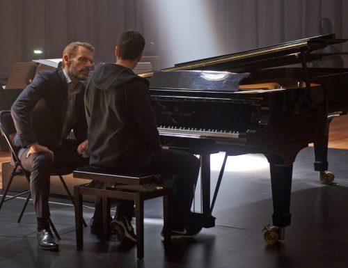 CinemaTivu: Nelle tue mani (Fra, Bel 2018), con Jules Benchetrit, Lambert Wilson e Kristin Scott Thomas, in prima serata su RaiUno