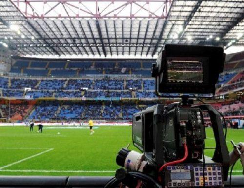 DAZN: Mediaset e Cairo Communications in gara per gestire la raccolta pubblicitaria della Serie A di calcio, aggiudicata da pochi giorni