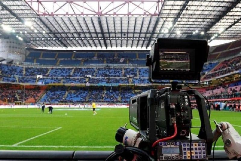 I numeri del calcio in tv, dalla Champions League, ai Mondiali del Qatar, in attesa che si definiscano i diritti tv della Serie A italiana