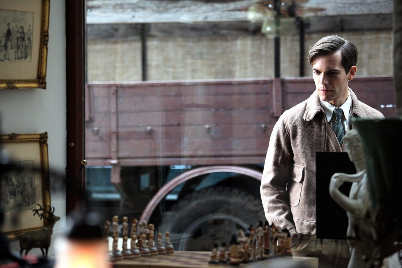 GuidaTV 25 Gennaio 2021 · La nuova serie tv Il commissario Ricciardi, GFVip, Report, Quarta Repubblica, i film Safe e Il giocatore di scacchi