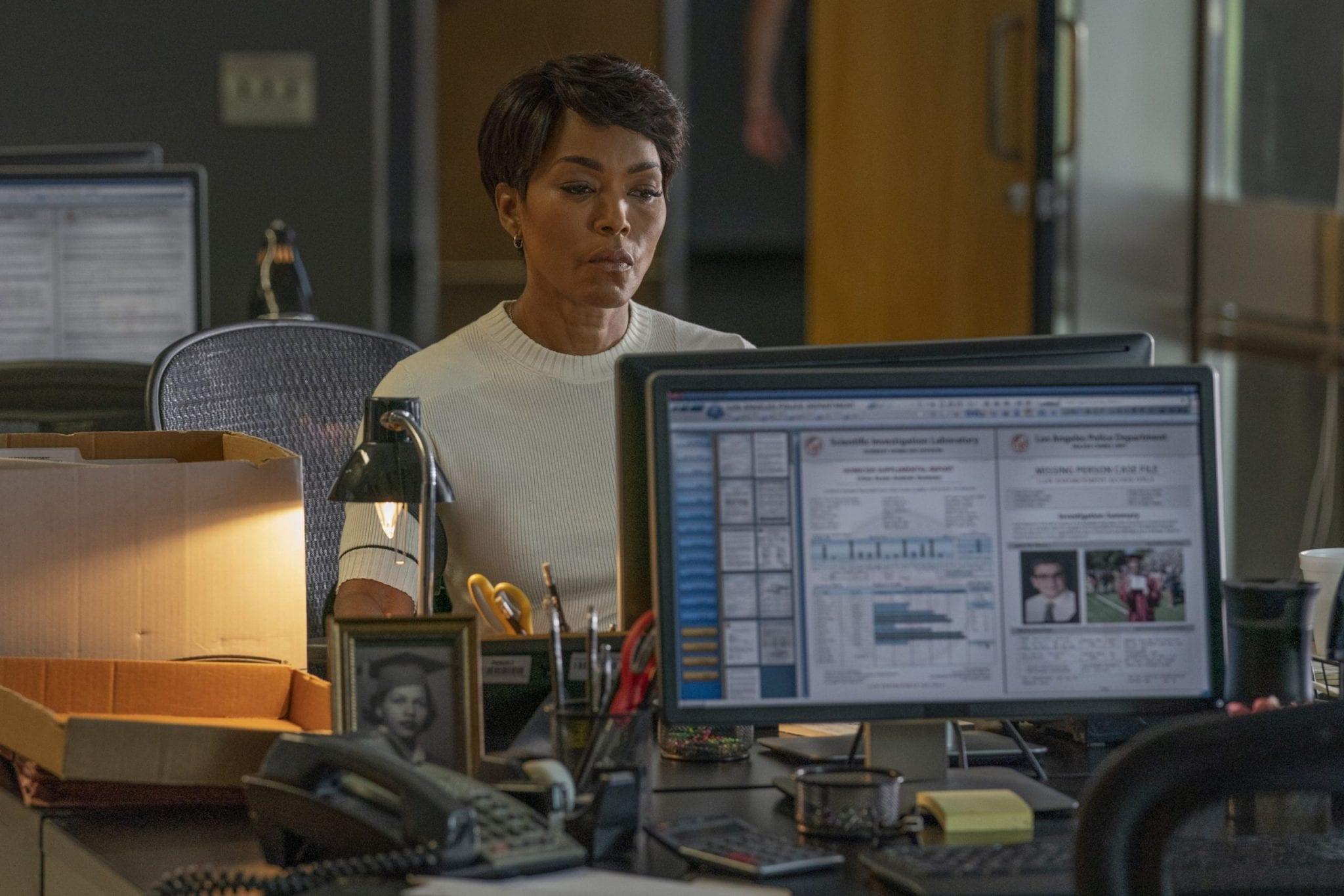 SerieTivu: 9-1-1 quarto appuntamento. Con protagonista Angela Bassett nei panni di Athena Carter Nash, in prima visione tv su RaiDue