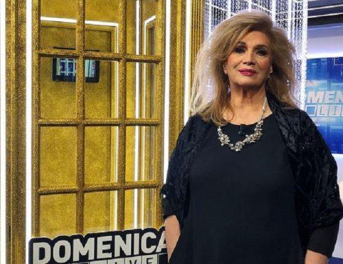 Live 17 gennaio 2021 · Domenica Live 2021, sedicesimo appuntamento. Con Barbara D'Urso ogni domenica pomeriggio, su Canale5