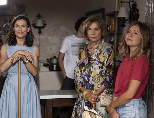 Fiction Club: Fratelli Caputo, terza puntata. Con Nino Frassica e Cesare Bocci, in prima visione assoluta, in onda su Canale5