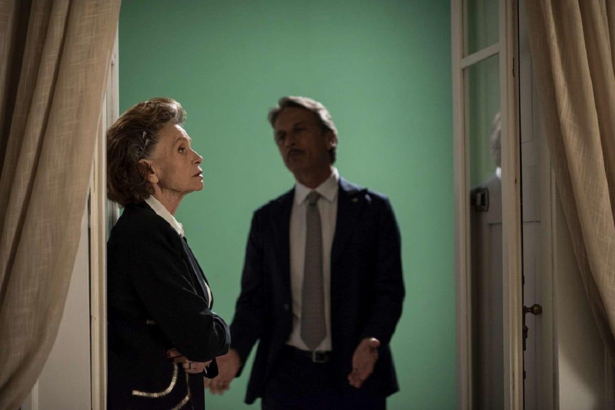 Fiction Club: Fratelli Caputo terza puntata. Con Nino Frassica e Cesare Bocci, in prima visione assoluta, in onda in prime time su Canale5