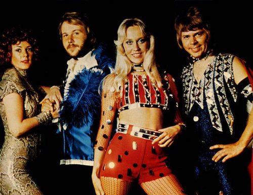Amadeus sta provando a portare a #Sanremo2021 un gruppo importante: gli Abba!