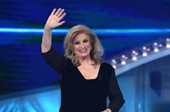 Iva Zanicchi avrà uno show su #Canale5? La voglia c'è, così come la promessa. Quando lo vedremo?