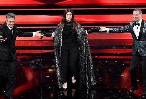 Le prime indiscrezioni sul prossimo Festival di Sanremo: si fanno diversi nomi, tra cui la Pausini!