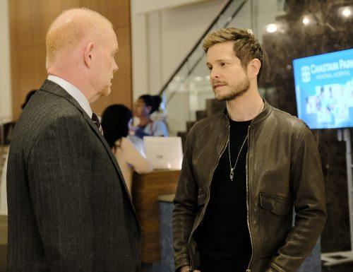 SerieTivu: The Resident 2, ottavo appuntamento. Con protagonista Matt Czuchry nei panni del dottor Conrad Hawkins, in prima tv su RaiDue