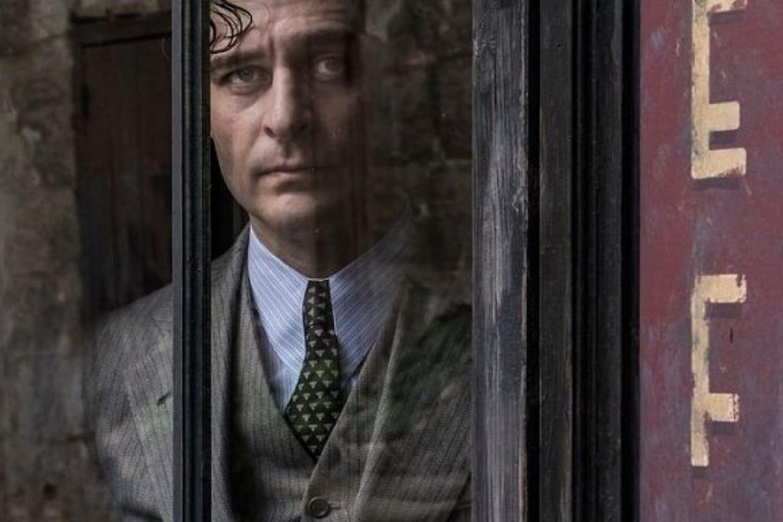 Titoli di coda · Il commissario Ricciardi ultimo appuntamento. Con protagonista Lino Guanciale, in onda in prima visione assoluta su RaiUno
