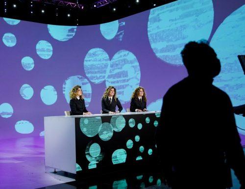 Live venerdì 26 marzo 2021 · Le Iene Show 2021, trentunesimo appuntamento. Ideato da Davide Parenti, in onda in prime time su Italia1