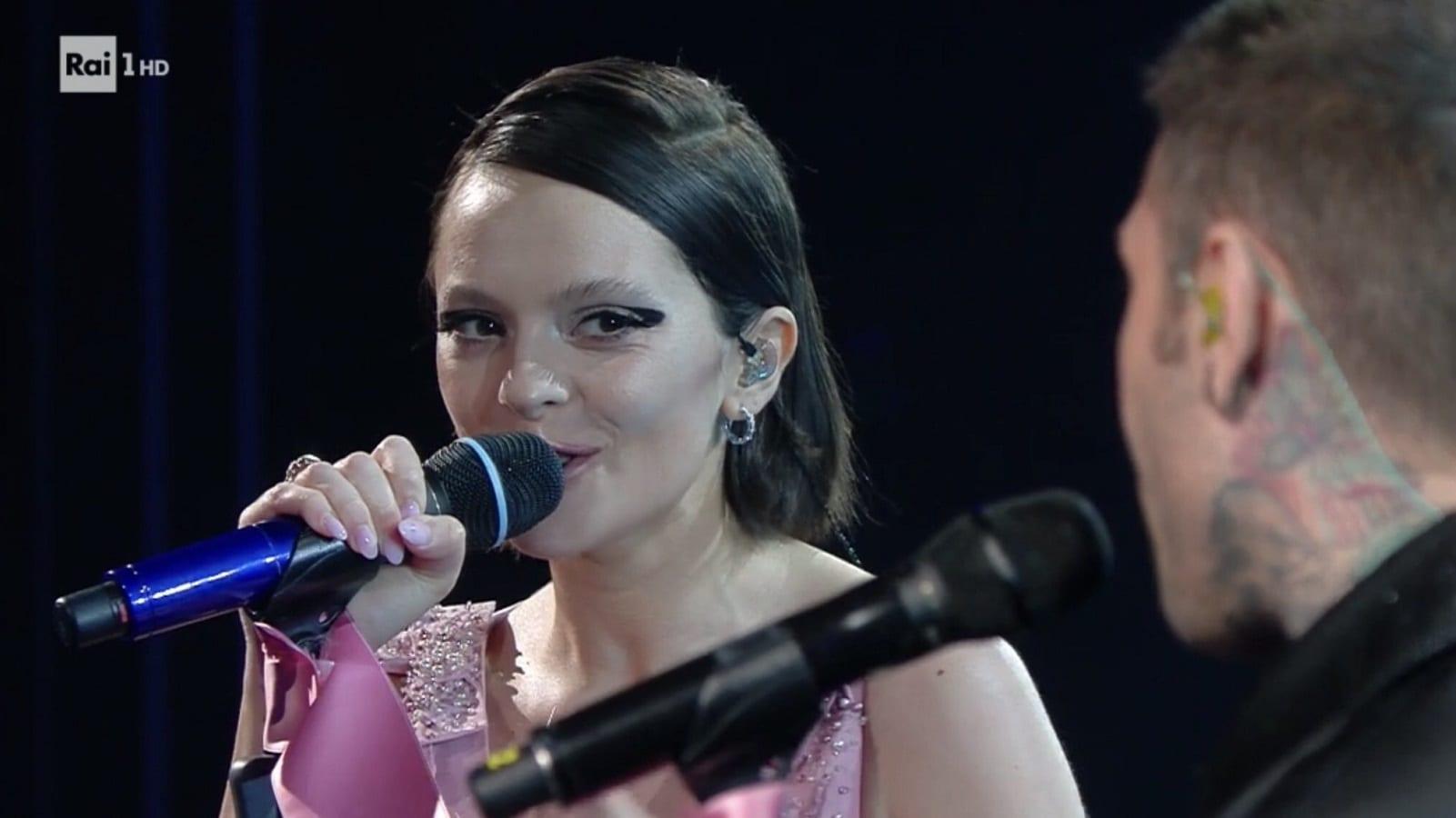 Live 6 marzo 2021 · Sanremo 2021, ultima serata. Condotto da Amadeus e Fiorello, termina la 71ª kermesse canora, in onda in prime time su RaiUno