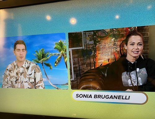Sonia Bruganelli, ospite a #IlPuntoZ, commenta gli ascolti di #avantiunaltro e svela retroscena