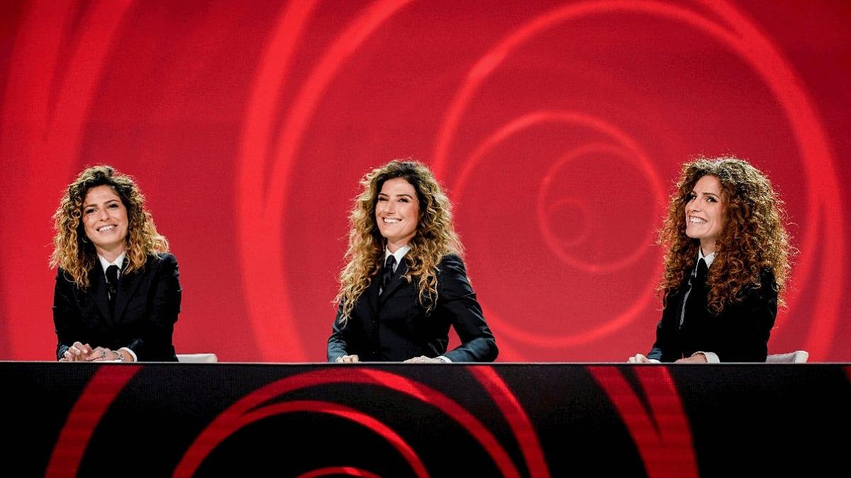 Live venerdì 9 aprile 2021 · Le Iene Show 2021 trentacinquesimo appuntamento. Ideato da Davide Parenti, in onda in prime time su Italia1